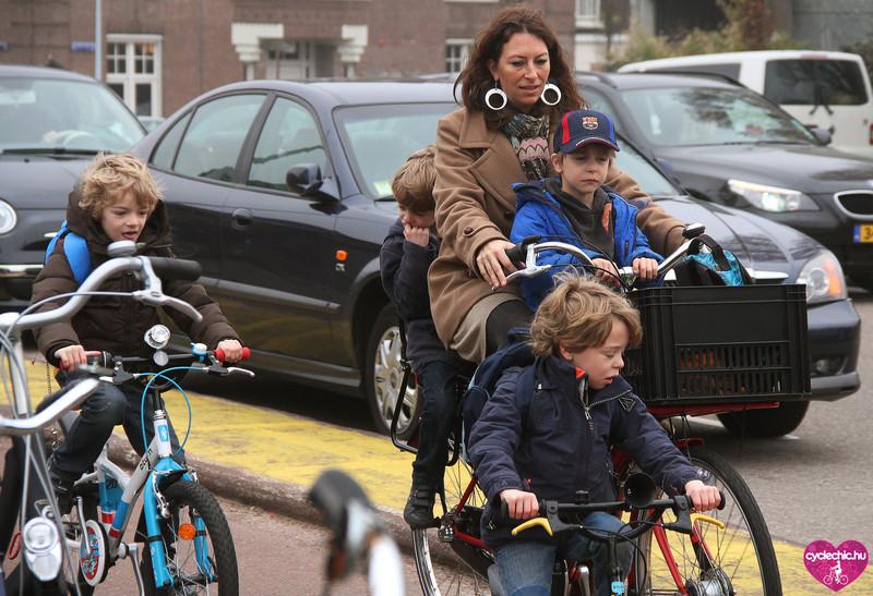 5 dolog, ami miatt olyan sok holland gyerek bringával közlekedik