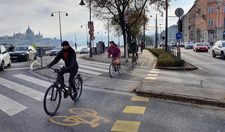15%-kal több kerékpározót mértek Budapesten 2020-ban, decemberben 61%-kal többet, mint egy éve