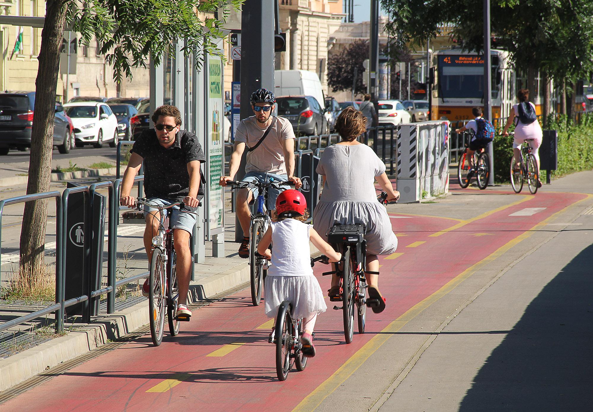 Akárhogy is nézzük, a bicikli jelentheti a városi közlekedés jövőjét
