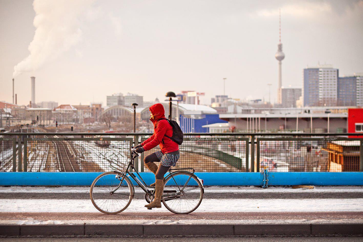 1.5 és 2 méteres előzési oldaltávolság és más bringabarát KRESZ változások Németországban