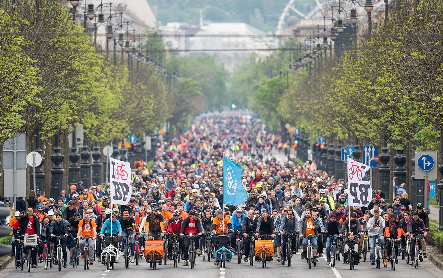 Köszönjük, hogy a rossz időben is 10000-en tekertetek velünk az I bike Budapesten!
