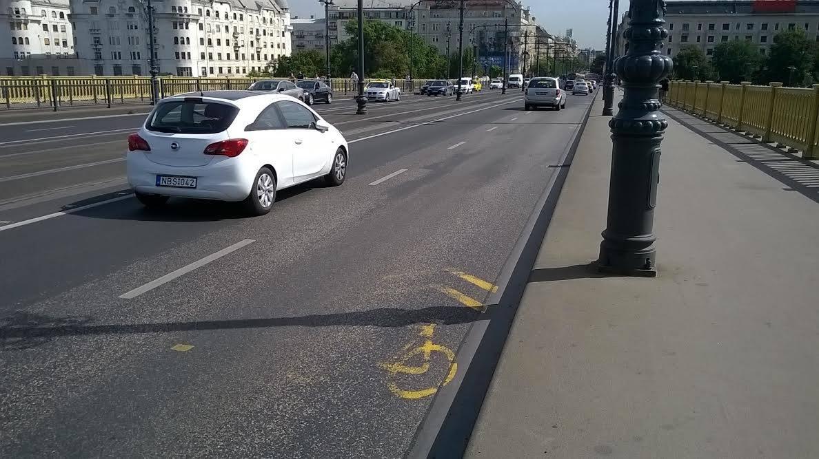 Gyűjsük össze a lekopott kerékpáros felfestéseket Budapesten!