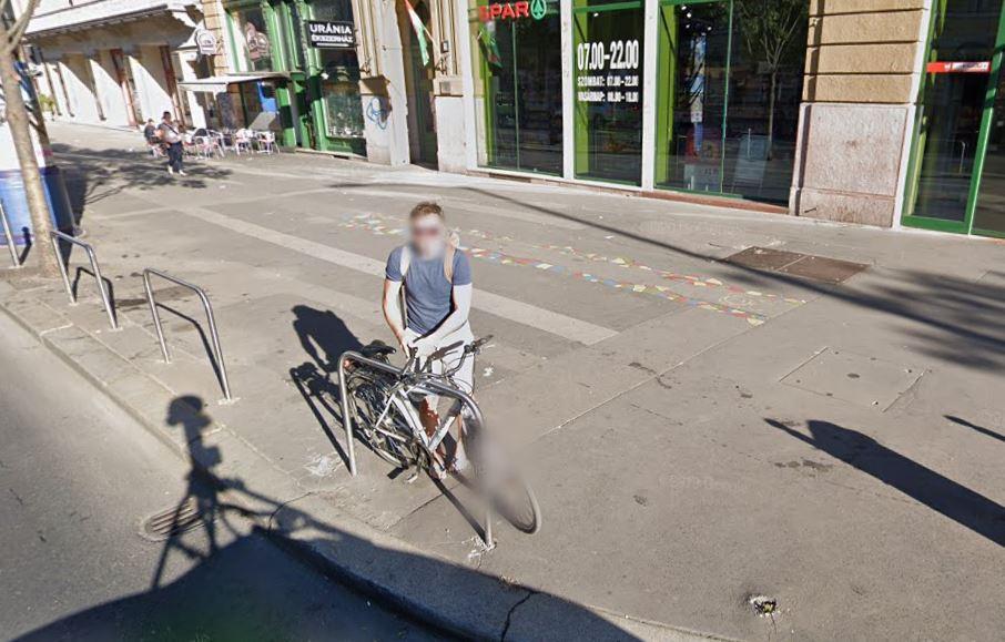 Javasolj kerékpártárolókat budapesti belvárosi boltokhoz!