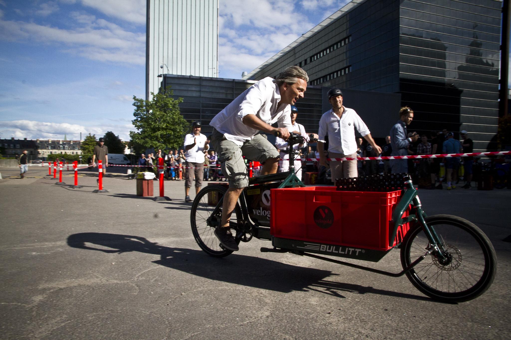 Szeptembertől támogatják, hogy cégek elektromos rásegítéses teherkerékpárt vásároljanak